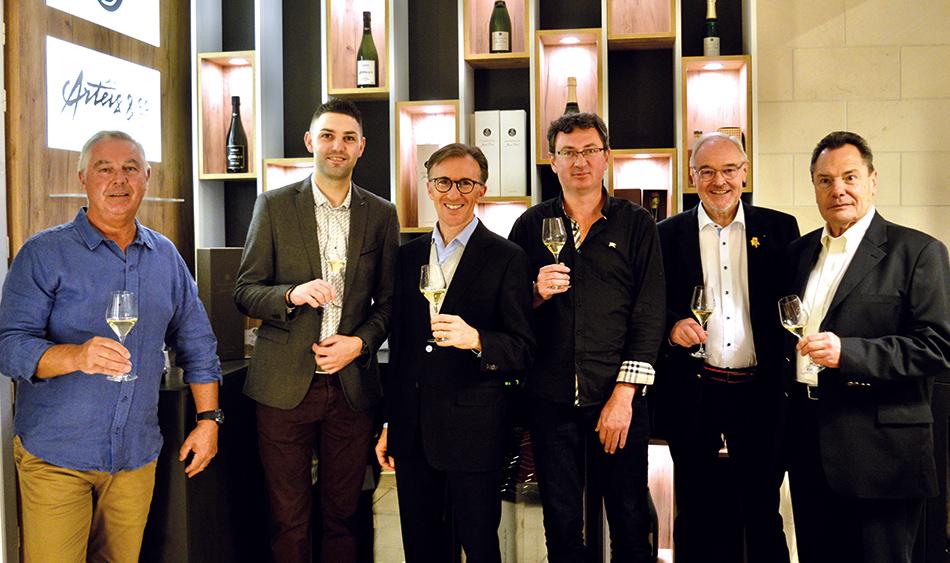 José (Champagne Diot), Delphin (La Briqueterie), Paolo Basso, Jean-Philippe Diot, Yves Chapier et Jean-Pierre (sommeliers de Champagne).